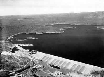 The Wanaque Reservoir and the North Jersey District Water Supply Commission facilities by the Raymond Dam in 1940.